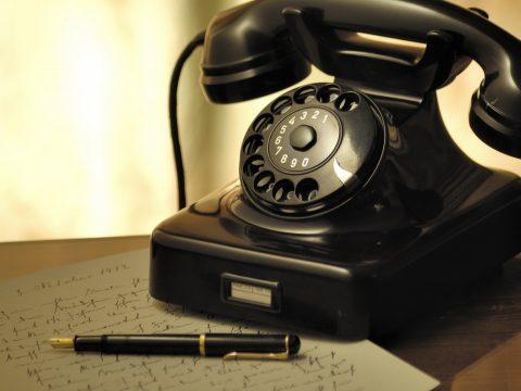 101 Classic Short Stories: A Telephonic Conversation